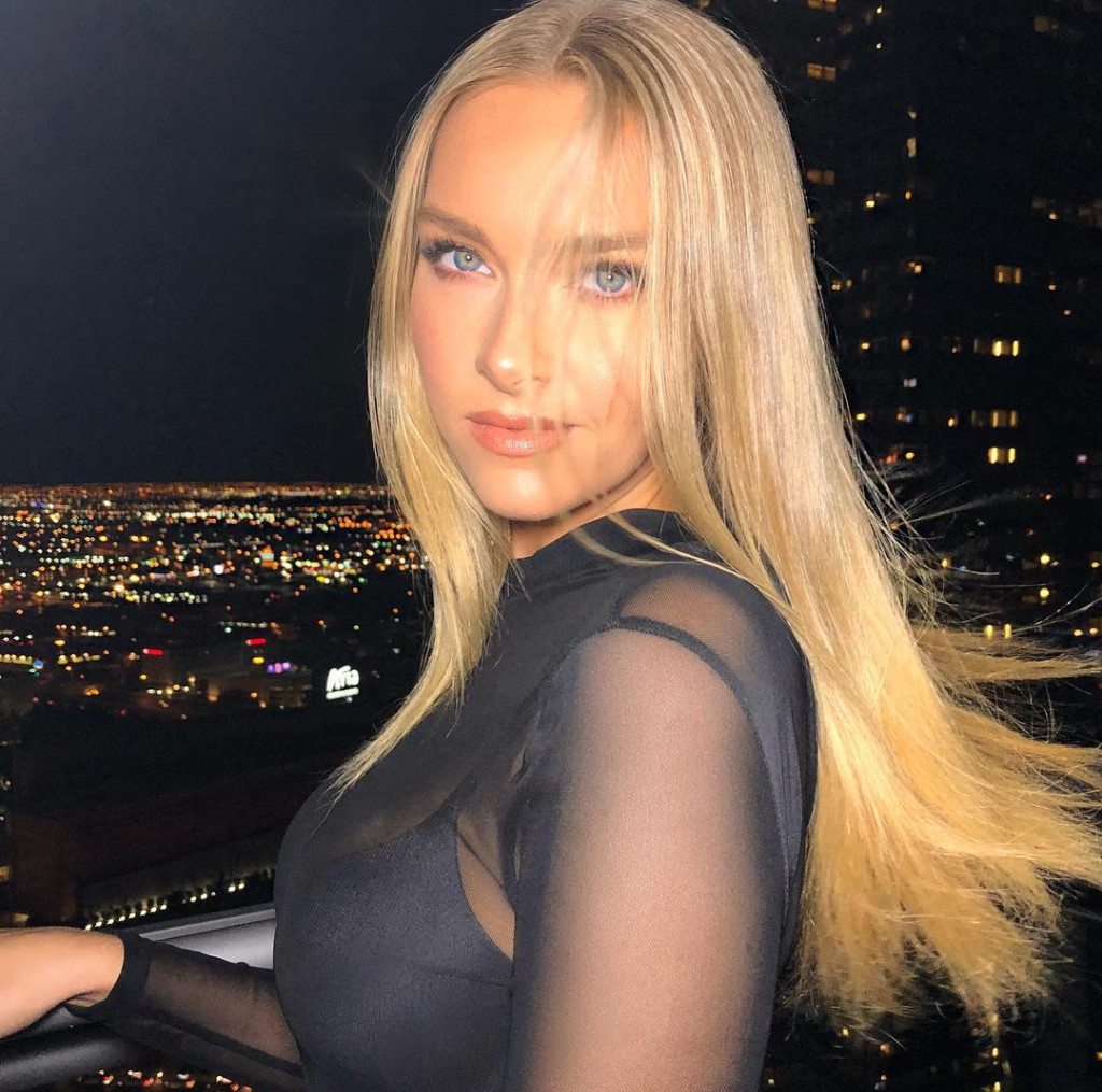 Beautiful Camille Kostek Pics - Beautiful Camille Kostek Pics