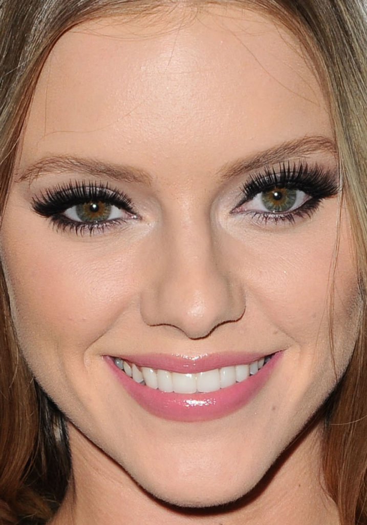 Beautiful Face Elle Evans 717x1024 - Elle Evans Net Worth, Pics, Wallpapers, Career and Biography