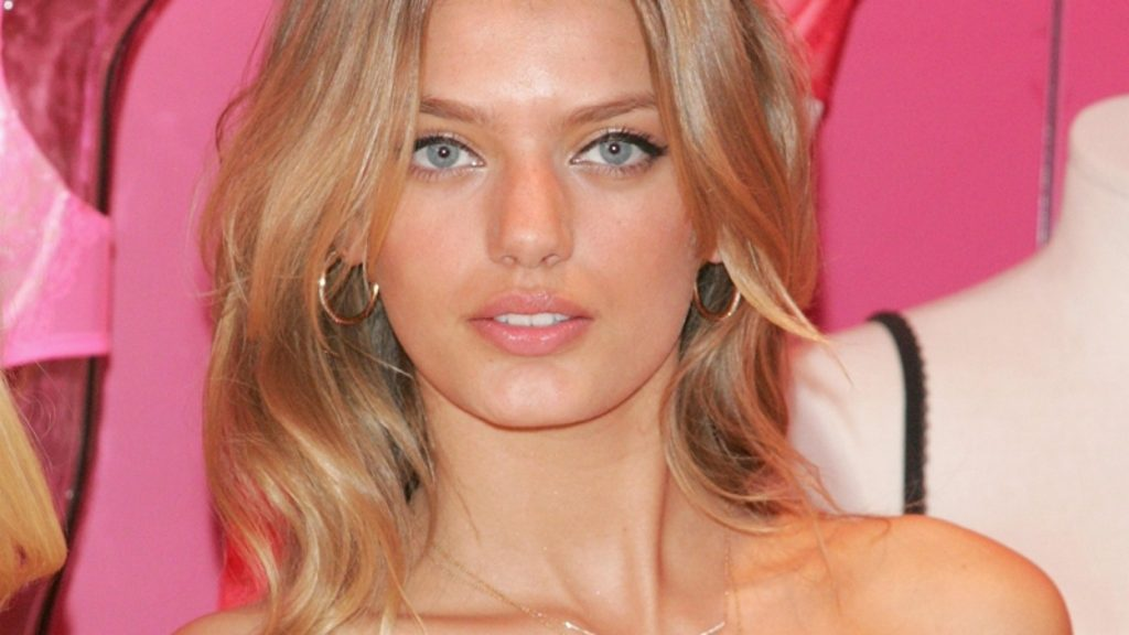 Beautiful Model Bregje Heinen Pics 1024x576 - Bregje Heinen Net Worth, Pics, Wallpapers, Career and Biography