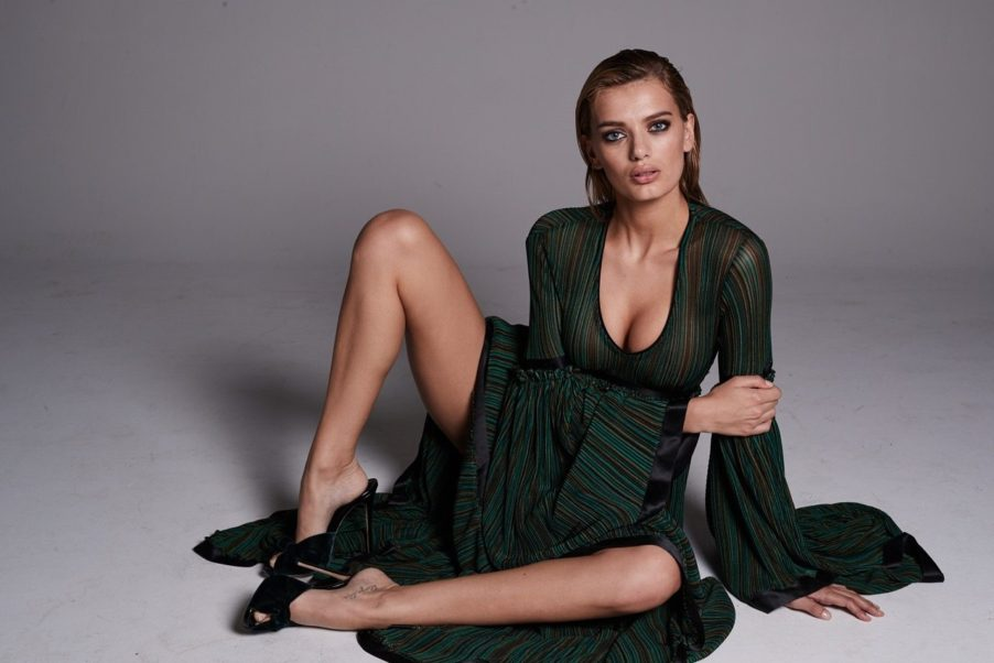 Bregje Heinen Hot Pose Pics