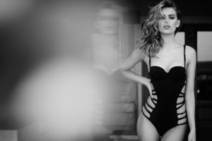 Bregje Heinen Hot Swimsuit Wallpaper 300x200 - Bregje Heinen Black & White Photos