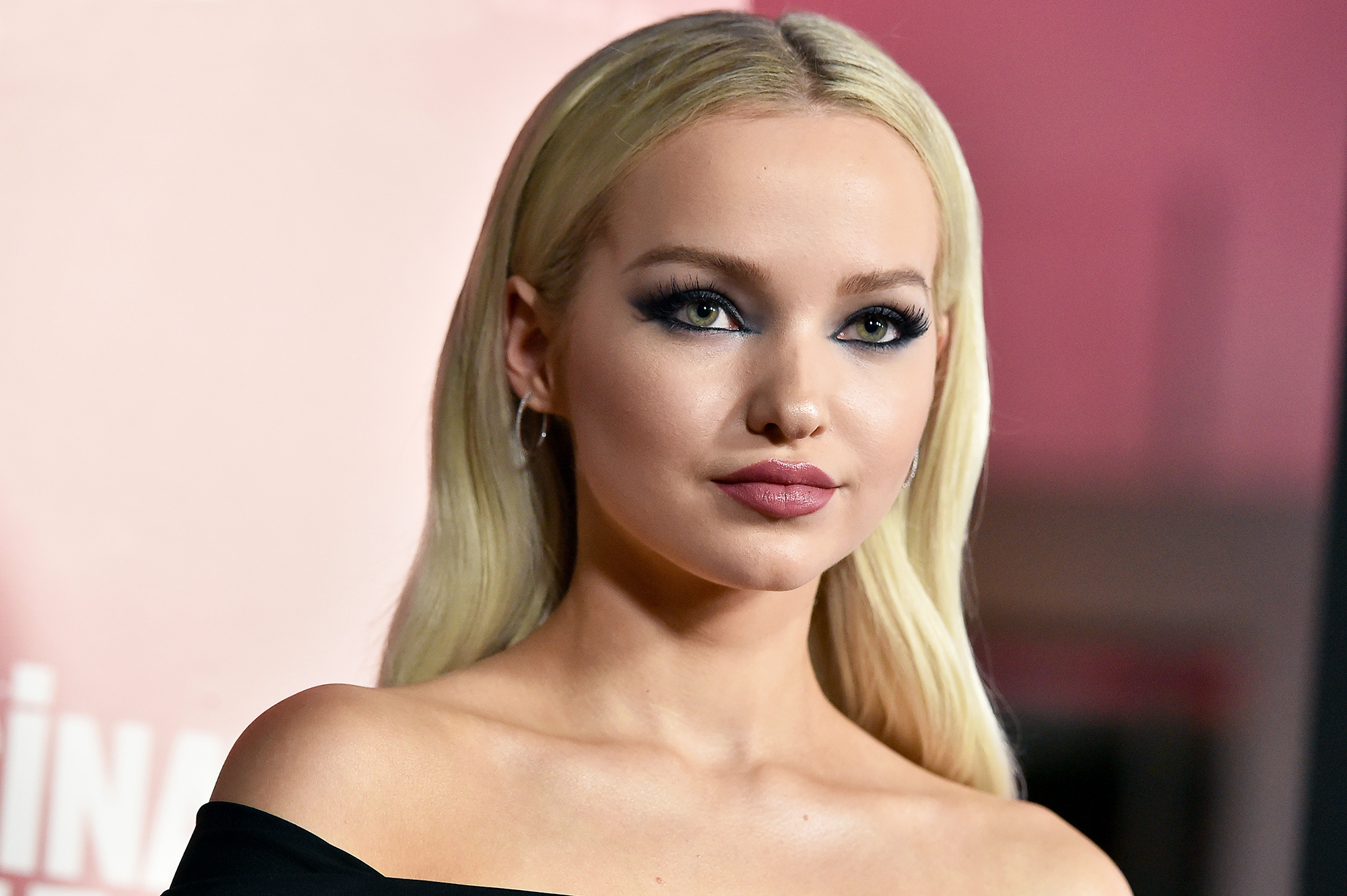 Dove Cameron Hot Blonde Pics - Dove Cameron Net Worth, Pics, Wallpapers, Career and Biography