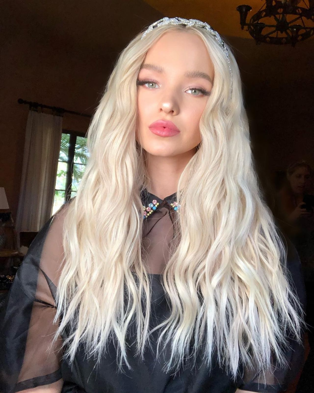 Dove Cameron Photos - Dove Cameron Net Worth, Pics, Wallpapers, Career and Biography