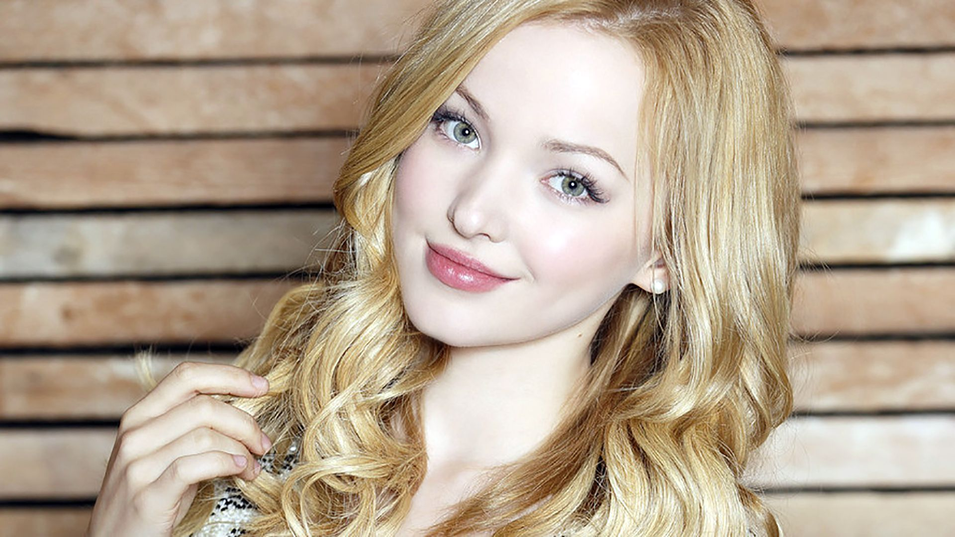 Dove Cameron Wallpaper Image - Dove Cameron Wallpaper Image