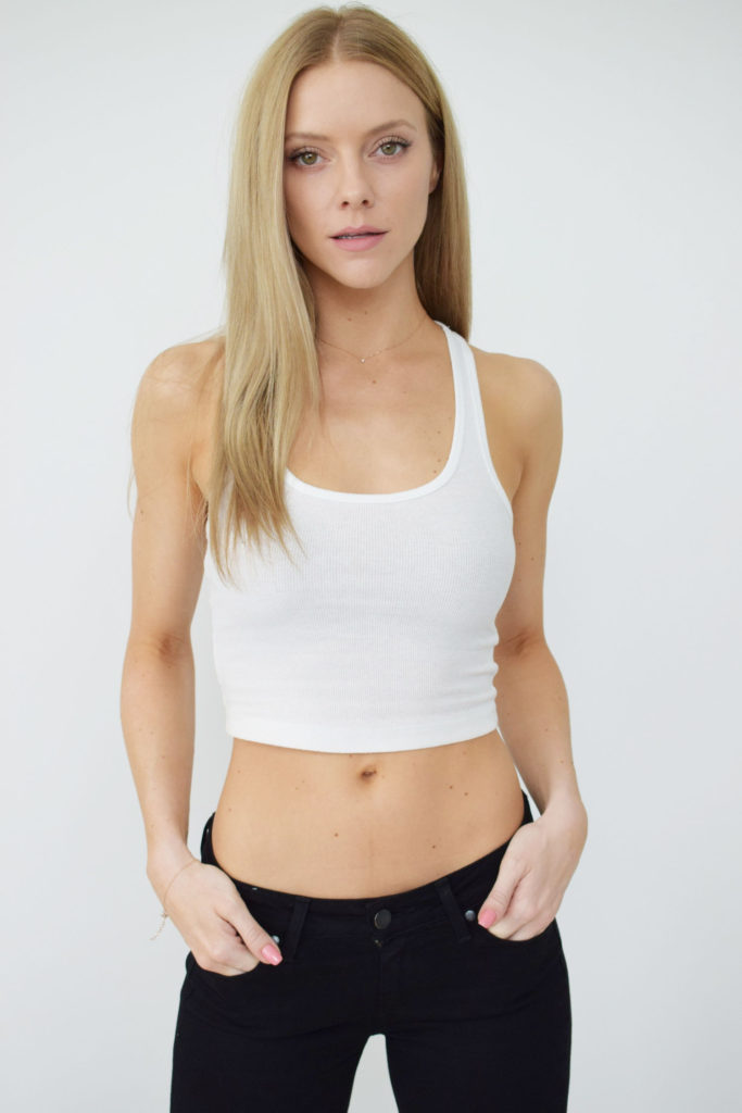 Elle Evans Hot White Tank Top 683x1024 - Elle Evans Net Worth, Pics, Wallpapers, Career and Biography