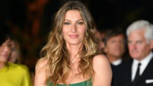 Gisele Bündchen Beautiful Face Pics 300x169 - Gisele Bündchen Hot Gala Pose