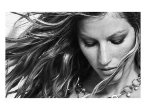 Gisele Bündchen Black White Face Wallpaper 300x225 - Gisele Bündchen Hot Gala Pose