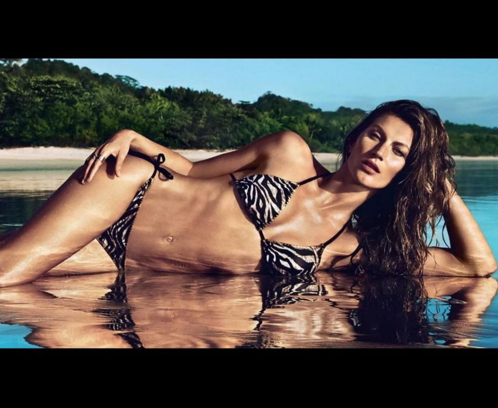 Gisele Bündchen Hot Bikini Posing Pics 1024x840 - Gisele Bündchen Net Worth, Pics, Wallpapers, Career and Biography