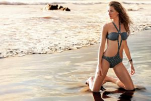 Gisele Bündchen Hot Swimsuit On The Beach 300x200 - Gisele Bündchen Hot Gala Pose