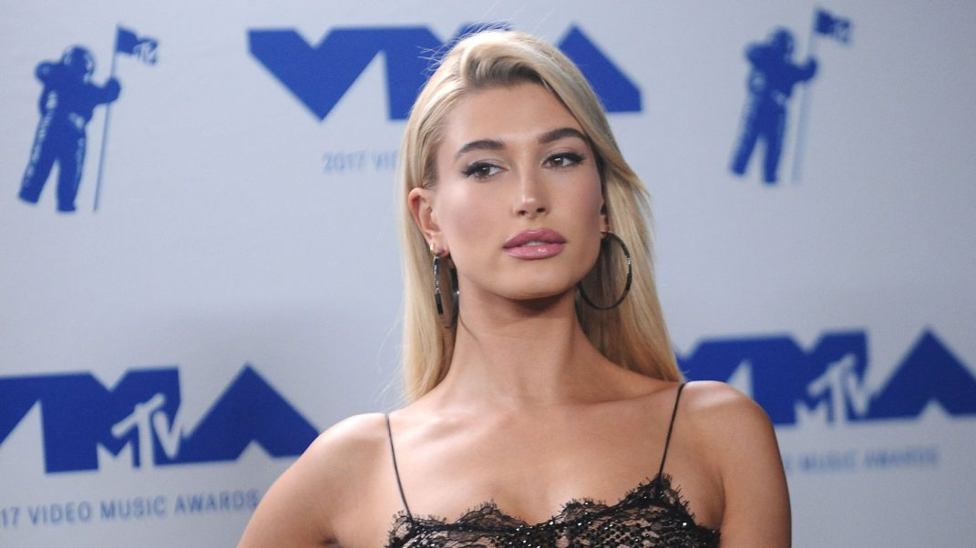 Hailey Baldwin Beauty Pics