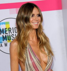 Heidi Klum Deep Revealing Dress 283x300 - Heidi Klum Black & White Face Pics