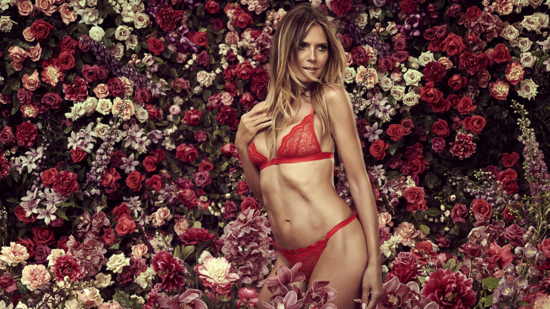Heidi Klum Hot Red Lingerie Wallpaper
