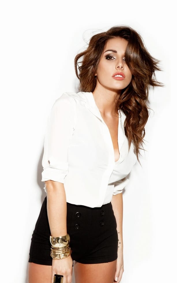 Lucy Pinder Hot Blouse Pics - Lucy Pinder Hot Blouse Pics