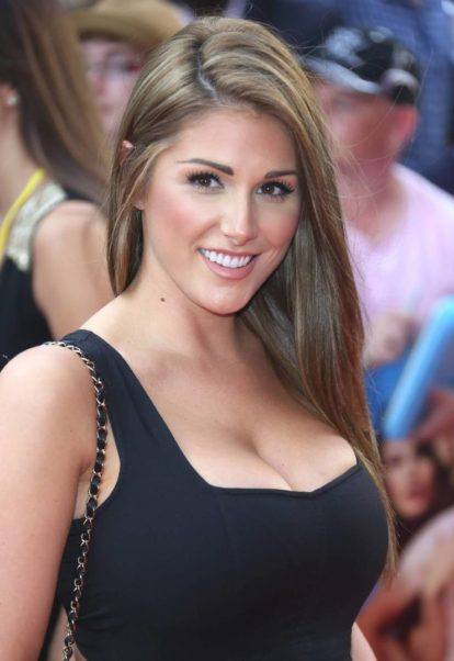 Lucy Pinder Hot Revealing Pics