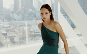 Luma Grothe Hot Green Dress 300x188 - Luma Grothe Black & White Face Pics