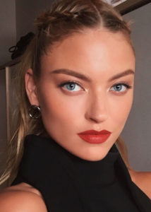 Martha Hunt Pictures