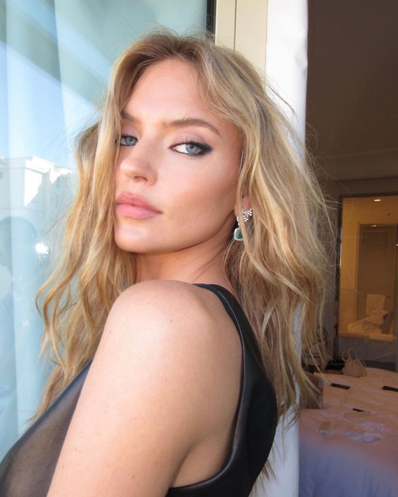 Smoky Eyes Martha Hunt 819x1024 - Martha Hunt Net Worth, Pics, Wallpapers, Career and Biography