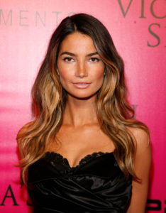 Super Top Model Lily Aldridge Pics 234x300 - Lily Aldridge Hot Blue Bikini