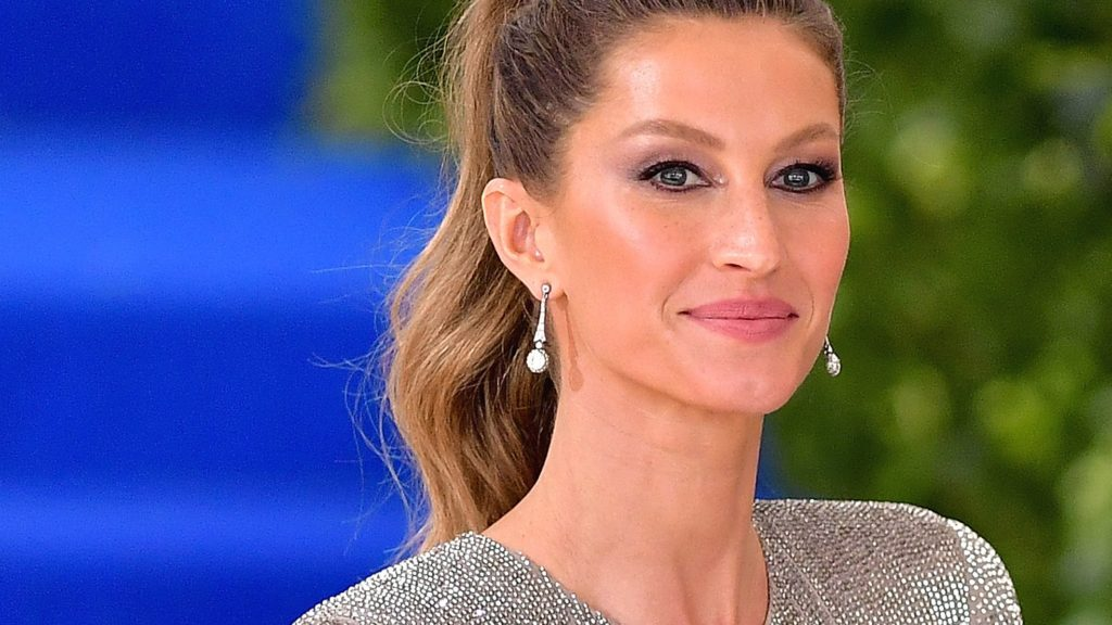 Top Model Gisele Bündchen Pics 1024x576 - Gisele Bündchen Net Worth, Pics, Wallpapers, Career and Biography