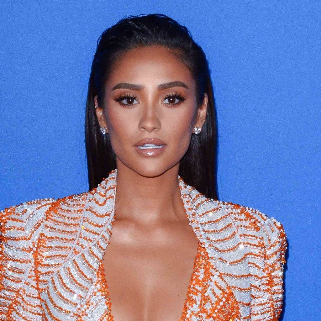 Beautiful Shay Mitchell 1024x1024 - Shay Mitchell Net Worth, Pics, Wallpapers, Career and Biograph