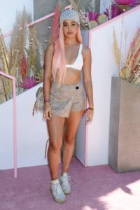 Blonde Cindy Kimberly Outside 200x300 - Cindy Kimberly Hot Lips Images