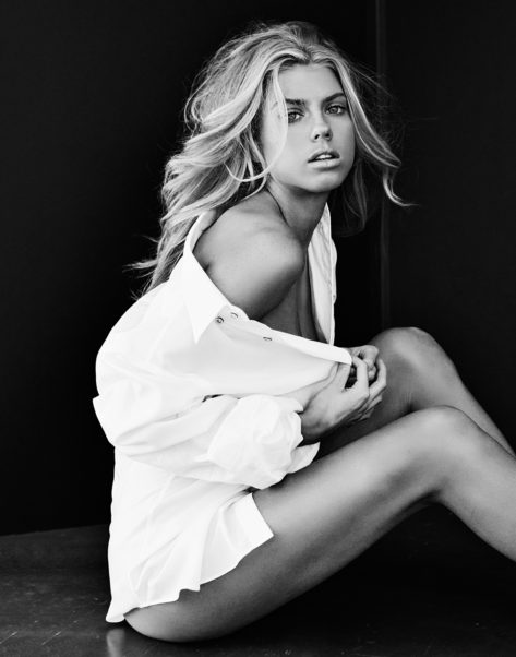 Charlotte McKinney Black & White Photos