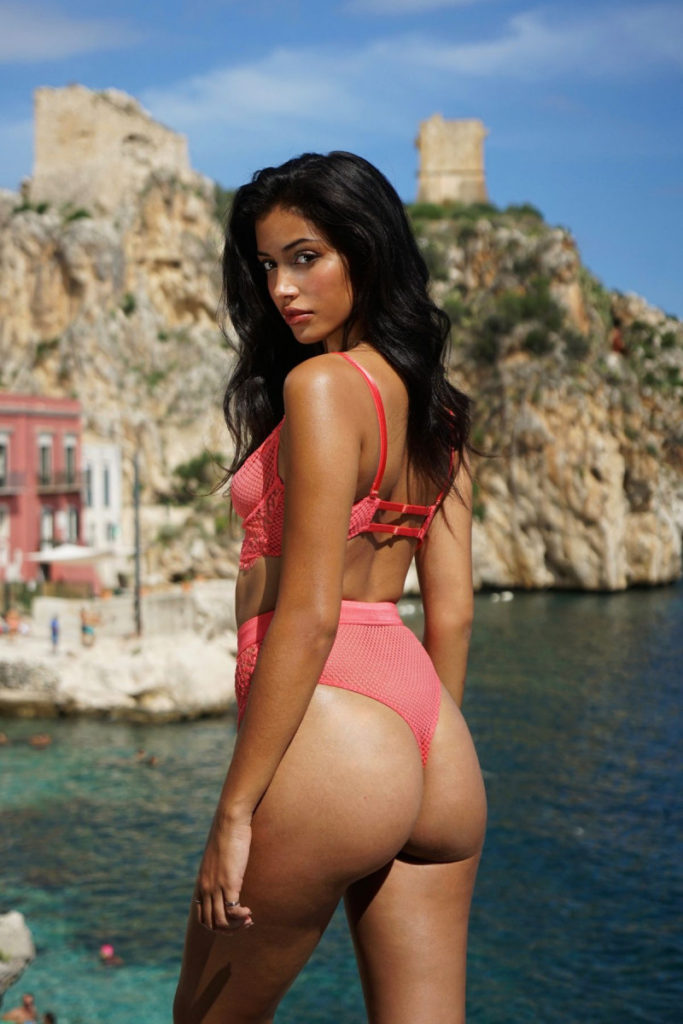 Cindy Kimberly Hot Pink Bikini 683x1024 - Cindy Kimberly Net Worth, Pics, Wallpapers, Career and Biography