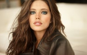 Emily DiDonato Hair Design 300x191 - Emily DiDonato Awesome Body Wallpaper