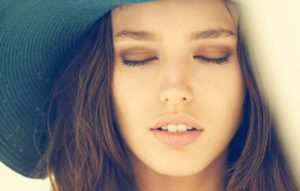 Emily DiDonato Hot Lips 300x191 - Emily DiDonato Wallpapers