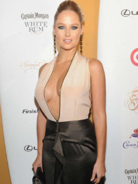 Genevieve Morton Reveal Pics