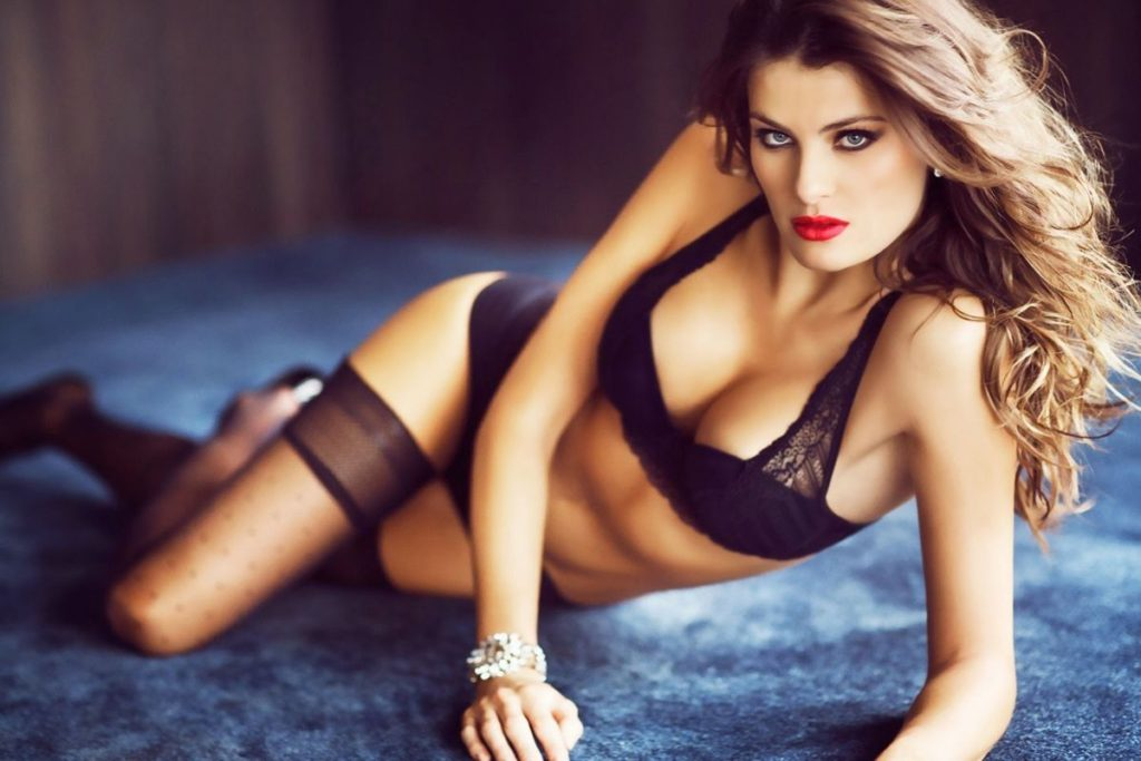 Isabeli Fontana Hot Black Lingerie 1024x683 - Isabeli Fontana Net Worth, Pics, Wallpapers, Career and Biography