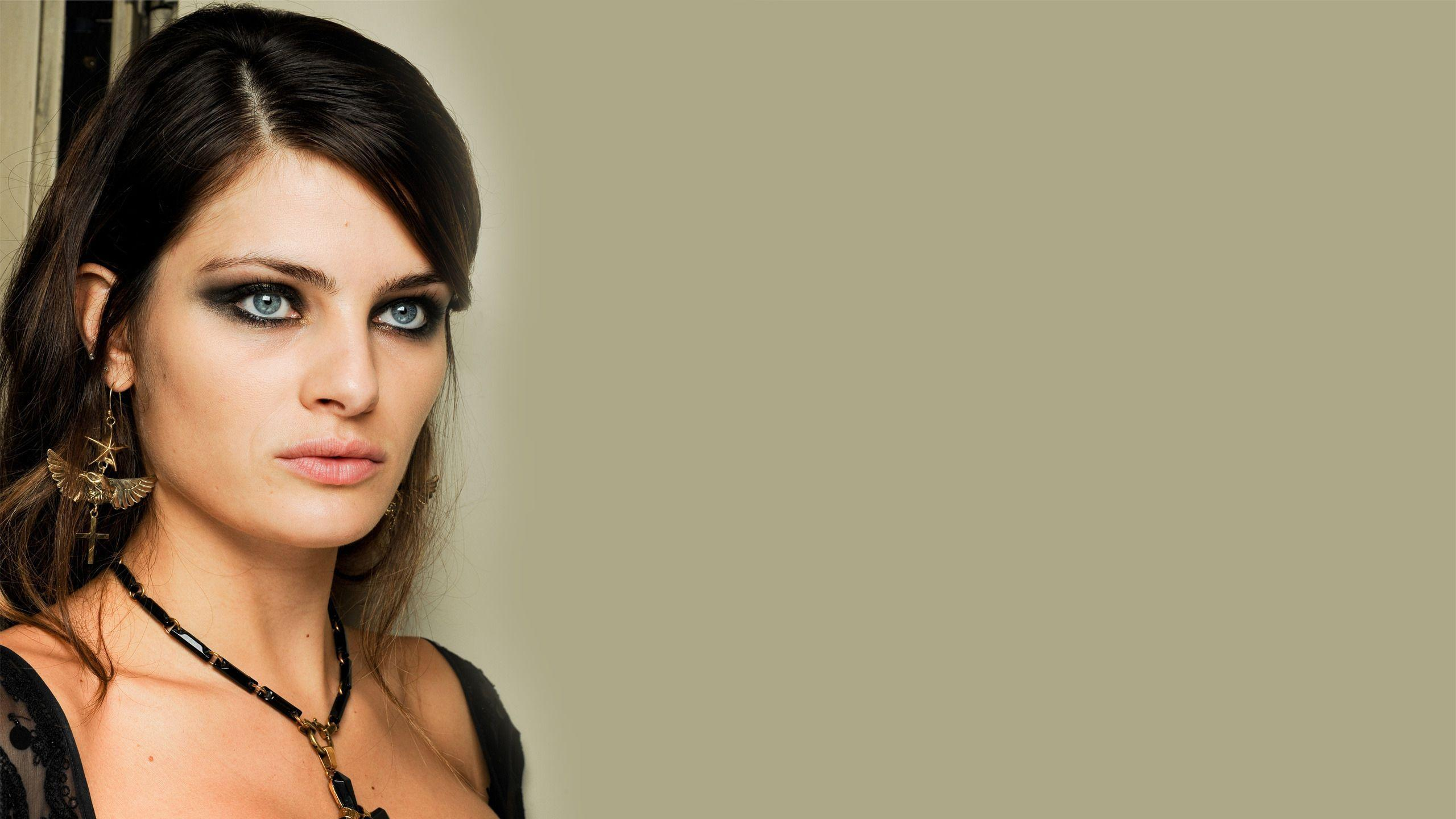 Isabeli Fontana Smoky Eyes - Isabeli Fontana Smoky Eyes