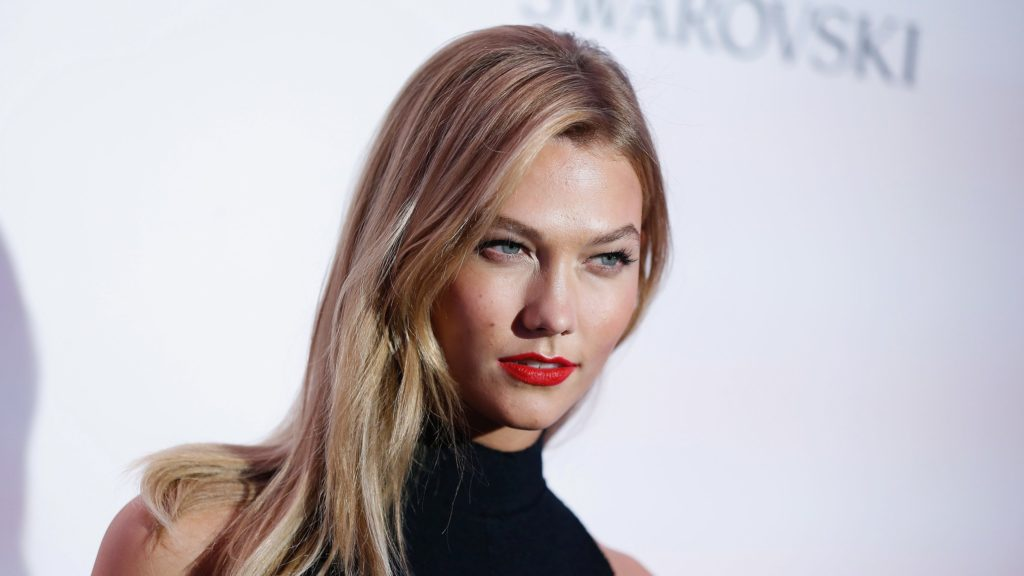 Karlie Kloss Hot Red Lips 1024x576 - Karlie Kloss Net Worth, Pics, Wallpapers, Career and Biography