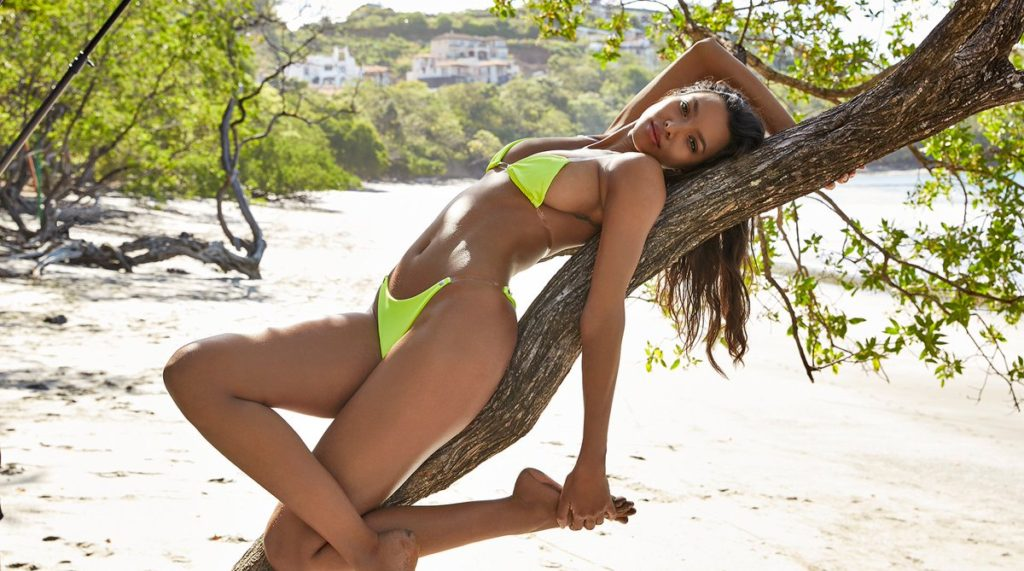 Lais Ribeiro Amazing Body Pics 1024x571 - Lais Ribeiro Net Worth, Pics, Wallpapers, Career and Biography