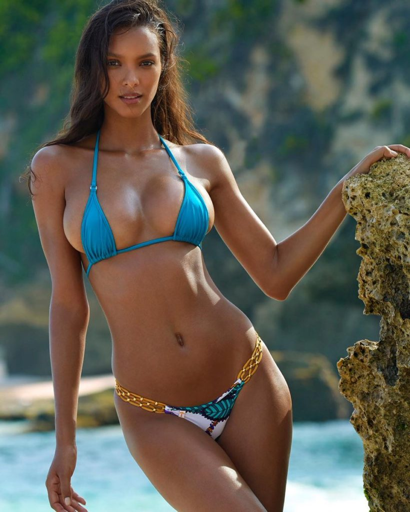 Lais Ribeiro Hot Blue Bikini 820x1024 - Lais Ribeiro Net Worth, Pics, Wallpapers, Career and Biography