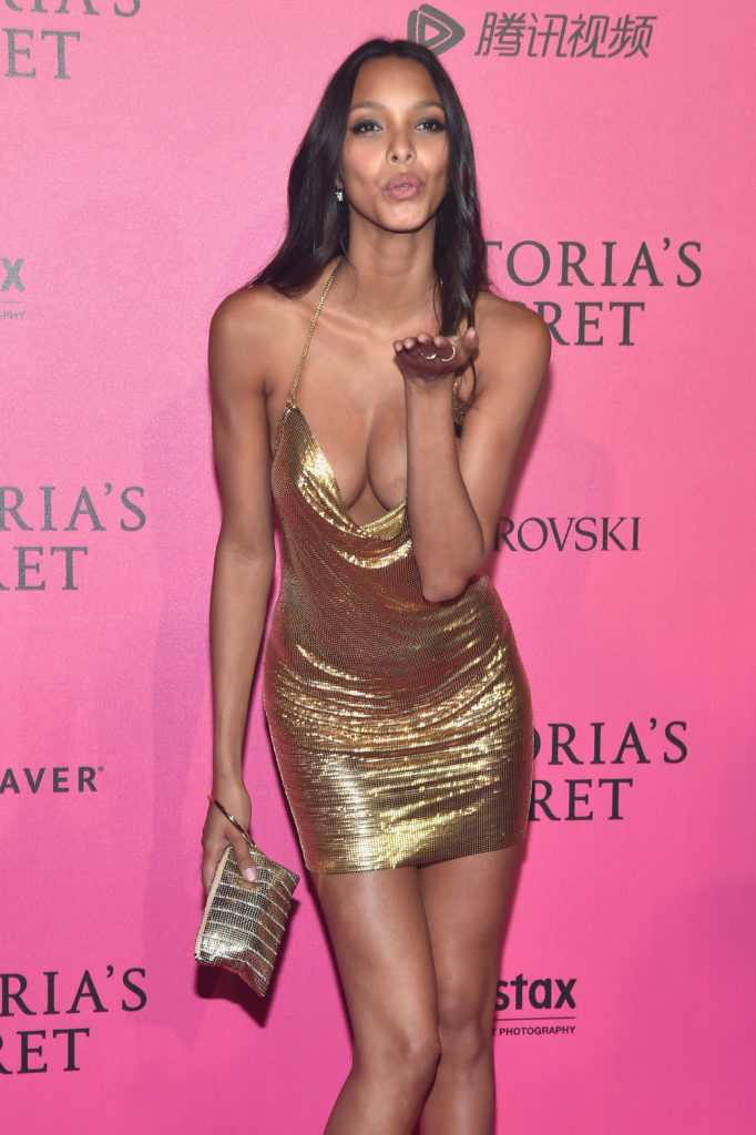 Lais Ribeiro Hot Revealing Gala Dress 682x1024 - Lais Ribeiro Net Worth, Pics, Wallpapers, Career and Biography