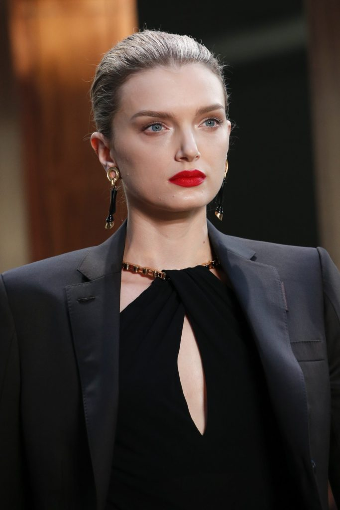 Lily Donaldson Hot Red Lips 683x1024 - Lily Donaldson Net Worth, Pics, Wallpapers, Career and Biography