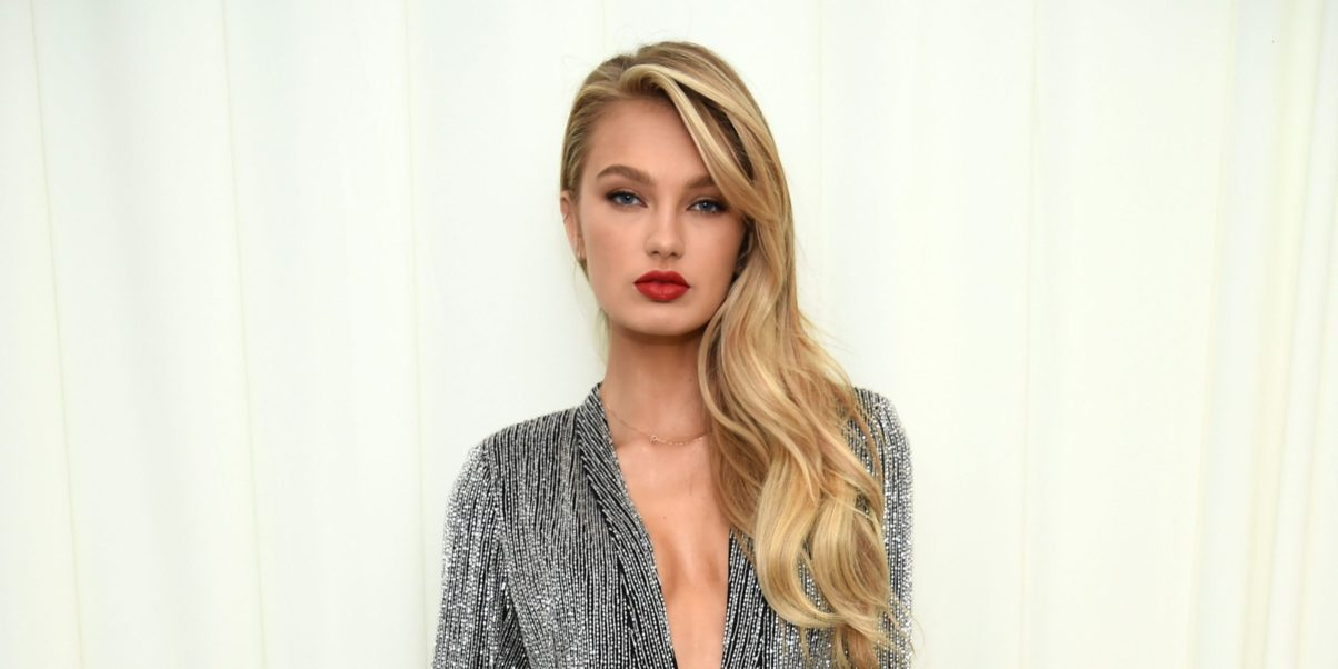 Romee Strijd Hot Red Lips Wallpaper