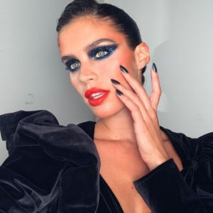 Sara Sampaio Eye Makeup 300x300 - Sara Sampaio Victoria's Secret Fashion Show