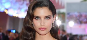 Sara Sampaio Hair Style 300x140 - Sara Sampaio Victoria's Secret Fashion Show