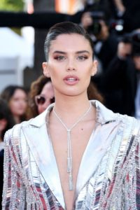 Super Top Model Sara Sampaio 200x300 - Sara Sampaio Victoria's Secret Fashion Show