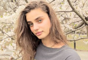 Taylor Hill Pic