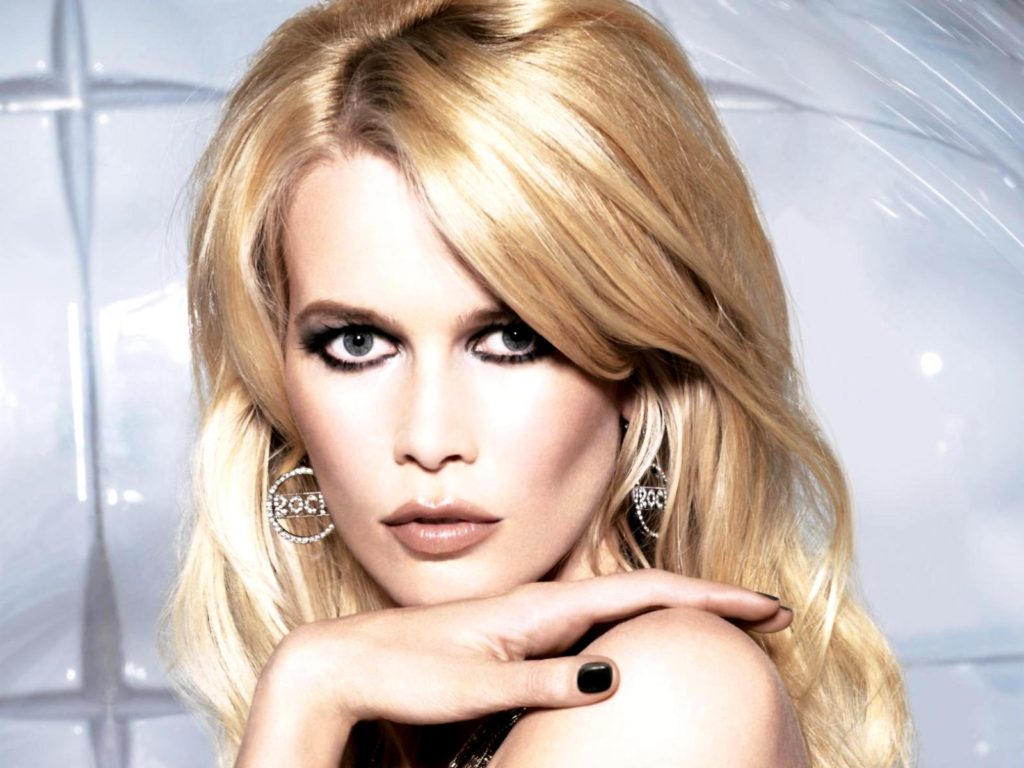 Claudia Schiffer Opel Pics 1024x768 - Claudia Schiffer Net Worth, Pics, Wallpapers, Career and Biography