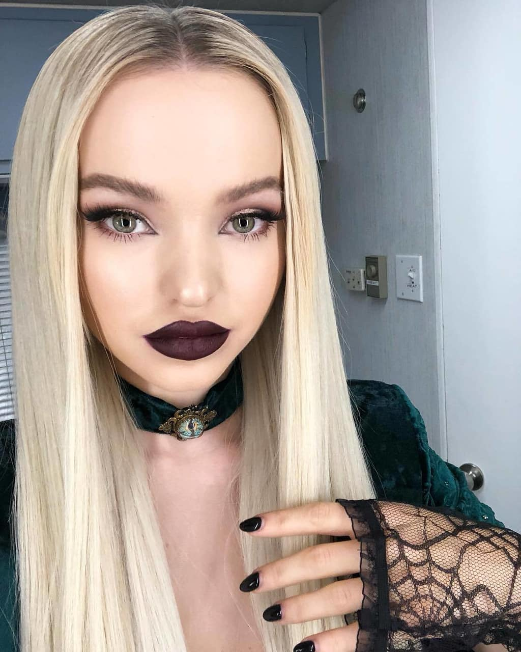 Dove Cameron Halloween Pics - Dove Cameron Net Worth, Pics, Wallpapers, Career and Biography