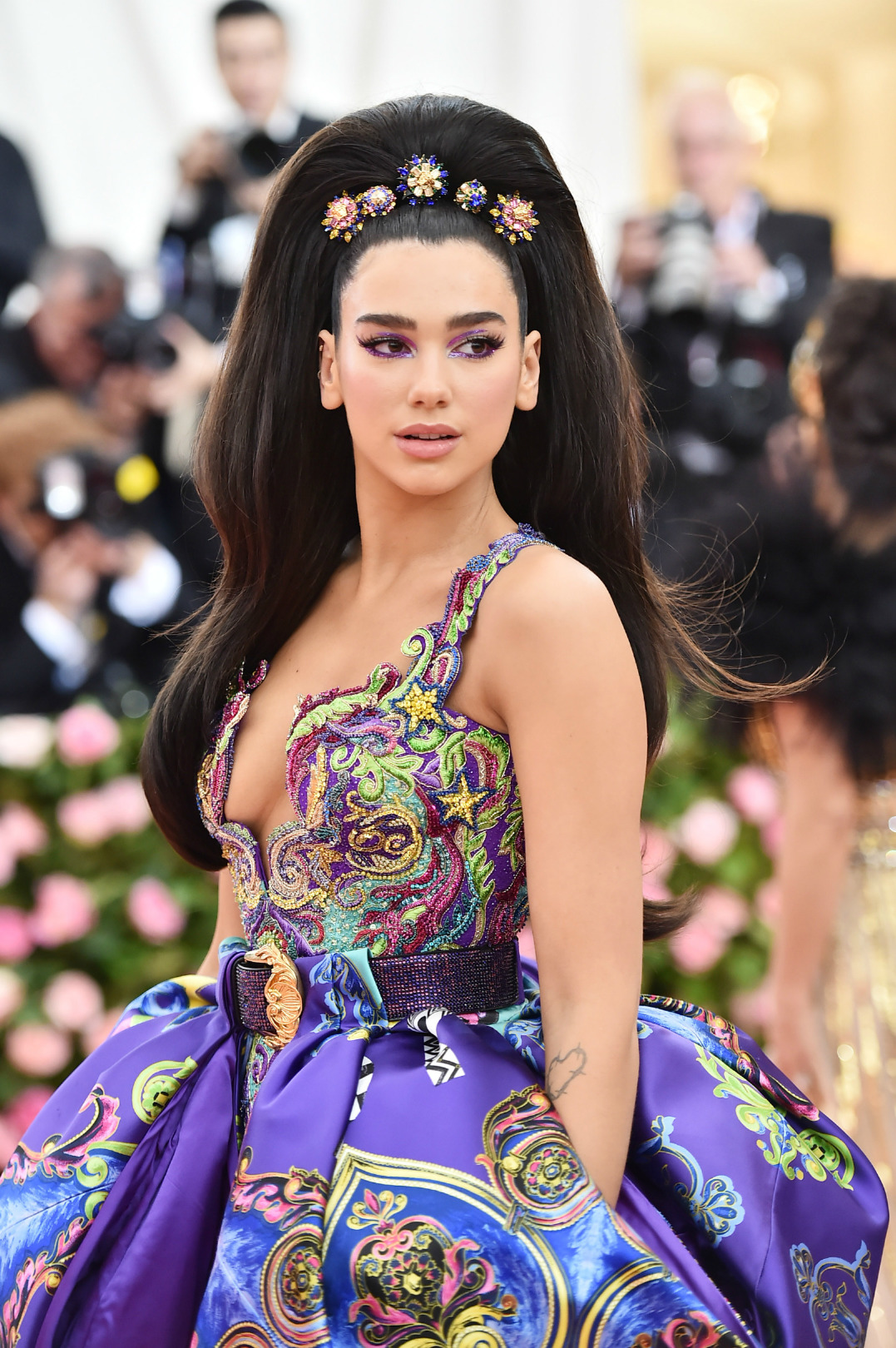 Dua Lipa Hair Design - Dua Lipa Net Worth, Pics, Wallpapers, Career and Biography