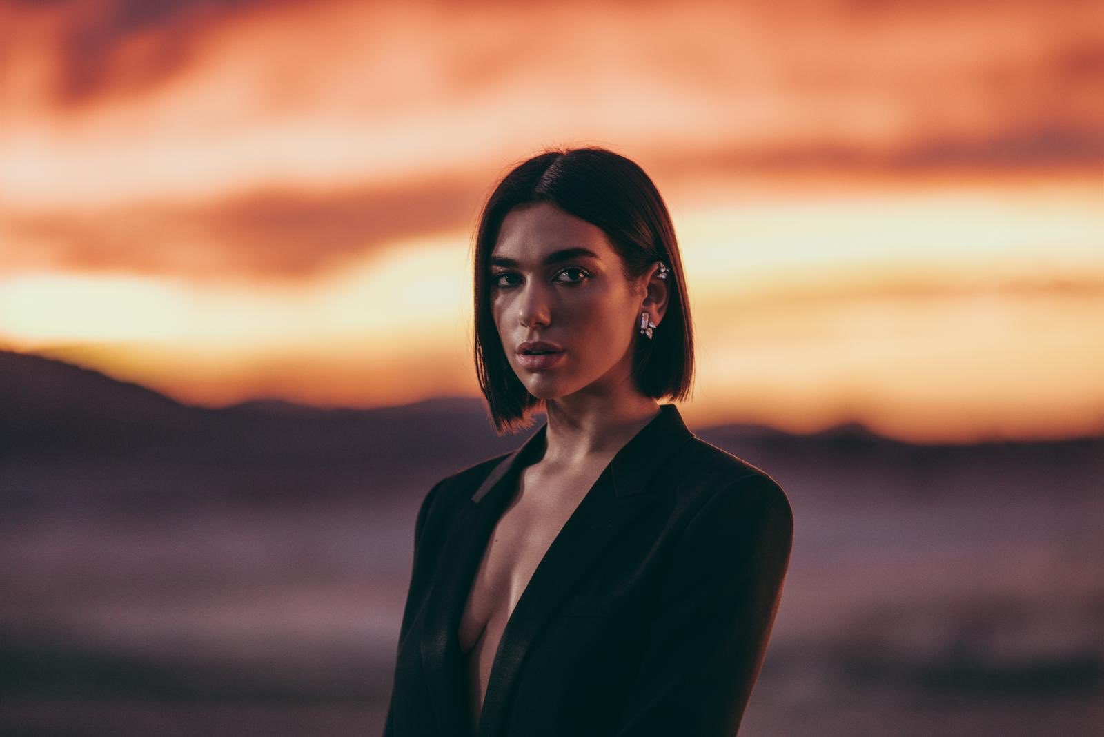 Dua Lipa Jacket Wallpapers - Dua Lipa Net Worth, Pics, Wallpapers, Career and Biography