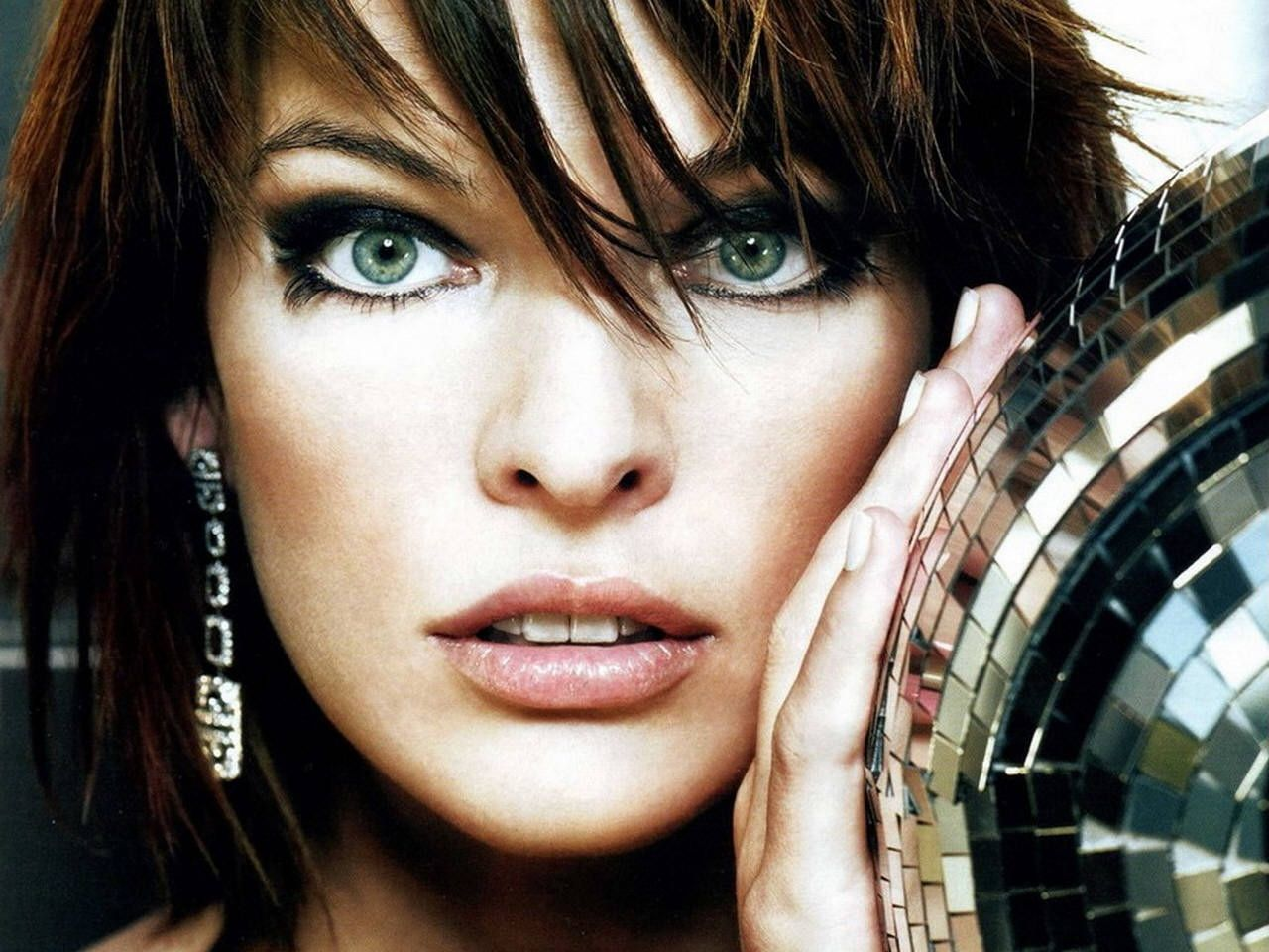 Milla Jovovich Wonderful Eyes - Milla Jovovich Wonderful Eyes