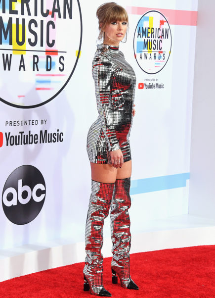 Taylor Swift American Music Awards Arrivals