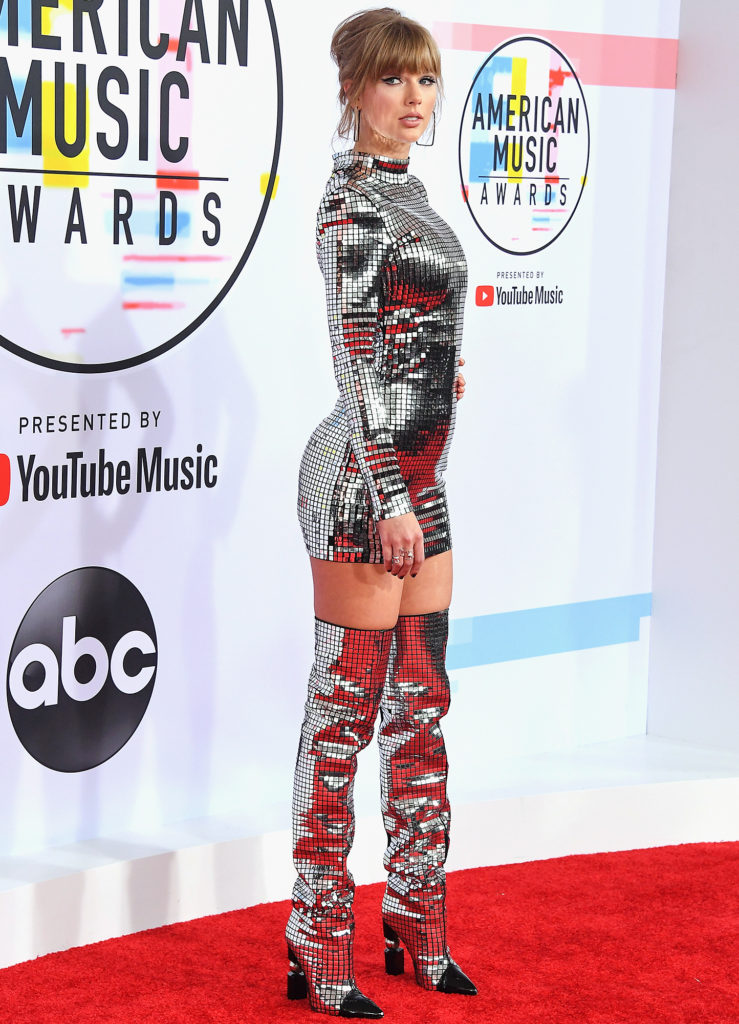 Taylor Swift American Music Awards 739x1024 - Taylor Swift American Music Awards Arrivals