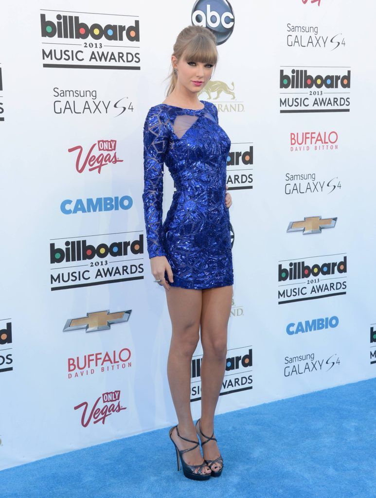 Taylor Swift Arrivals 773x1024 - Taylor Swift Net Worth, Pics, Wallpapers, Career and Biography